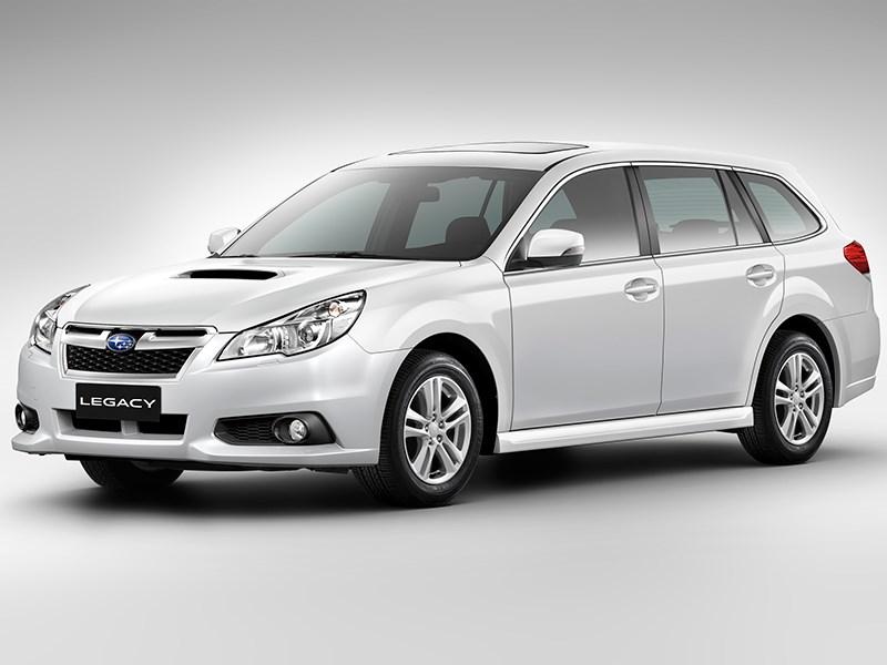 Subaru Legacy 2013 вид спереди фото 3