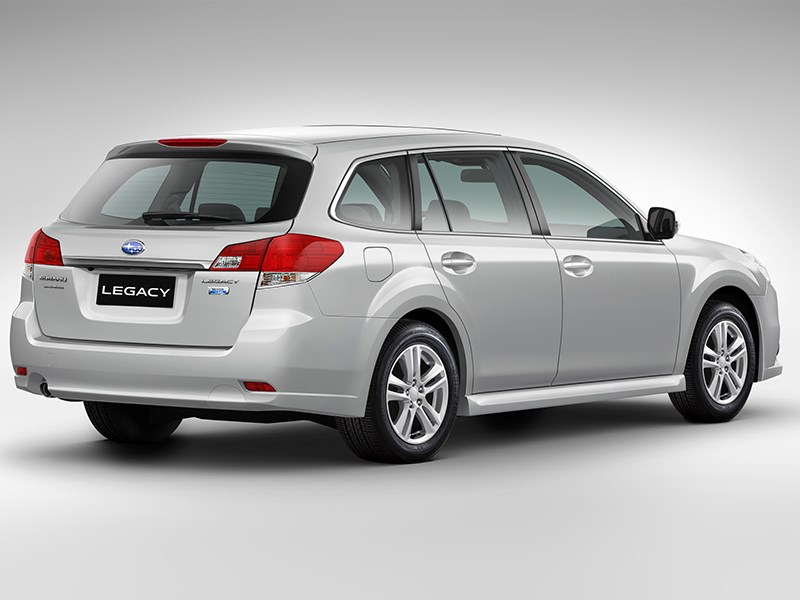 Subaru Legacy 2013 вид сзади фото 2