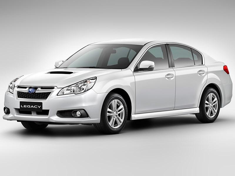 Subaru Legacy 2013 вид спереди фото 4