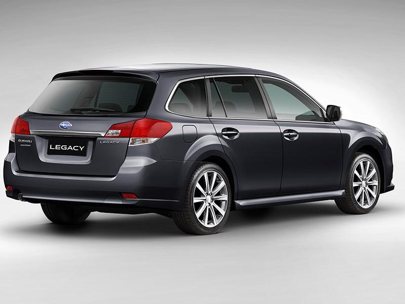 Subaru Legacy 2013 вид сзади фото 4