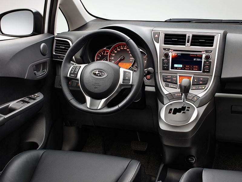Subaru Trezia 2011 водительское место