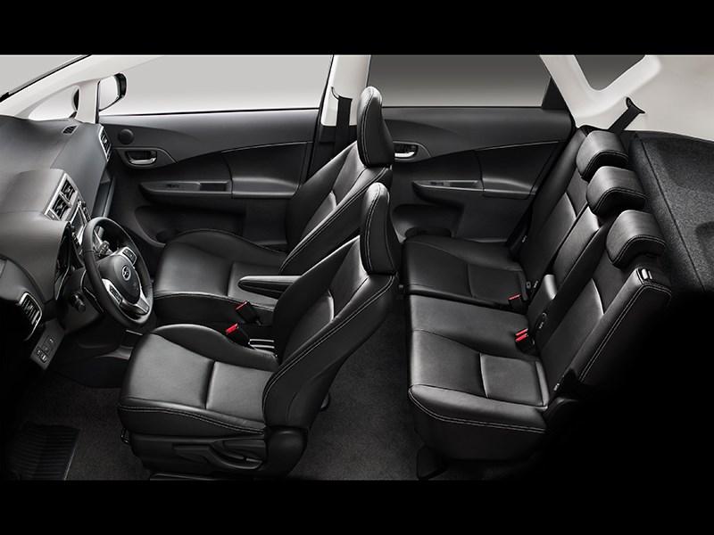 Subaru Trezia 2011 салон