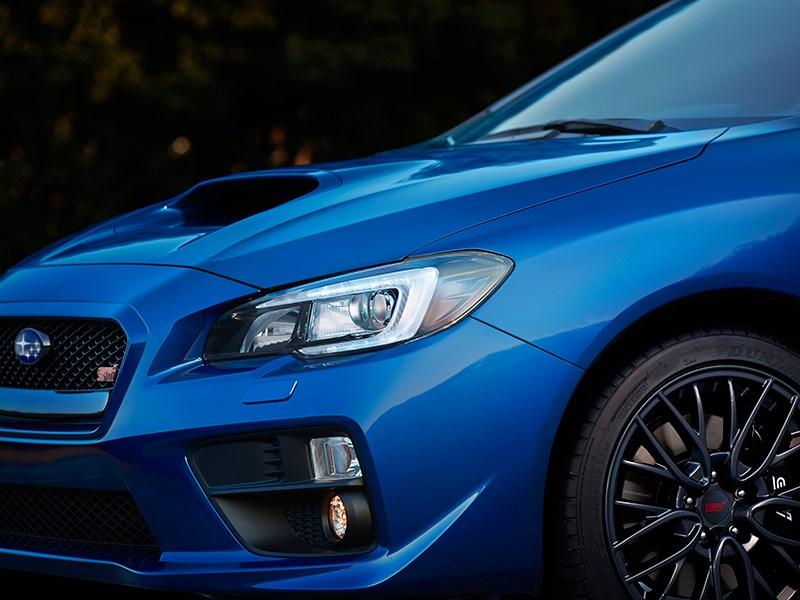 Subaru WRX STI 2014 головная оптика