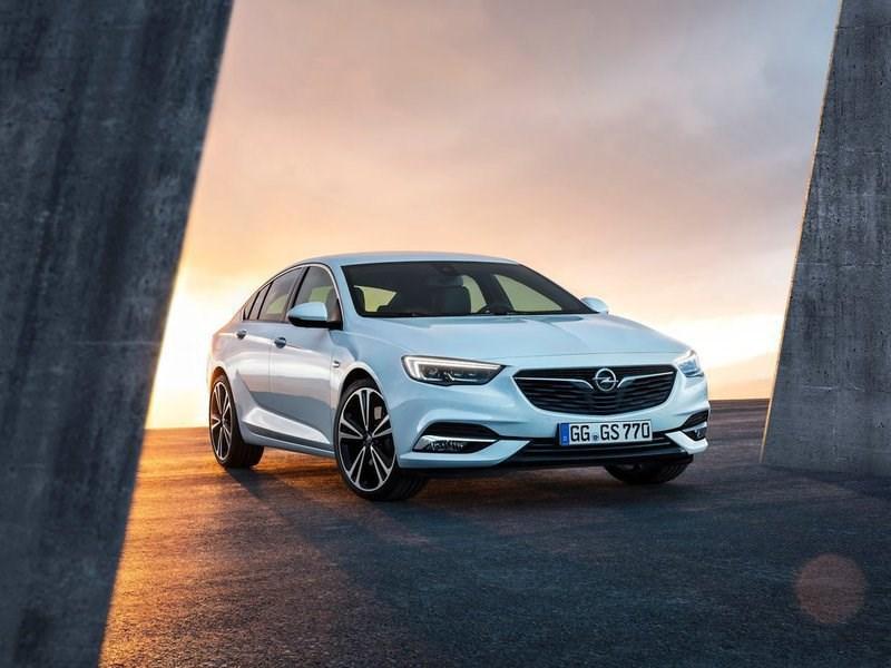 Opel рассекретил новое поколение хэтчбека Insignia