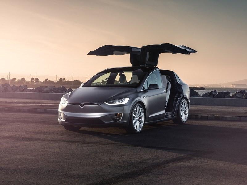 Tesla получила новый автопилот