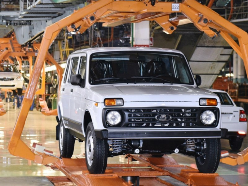 Производство легковых автомобилей в июне сократилось на 5 процентов