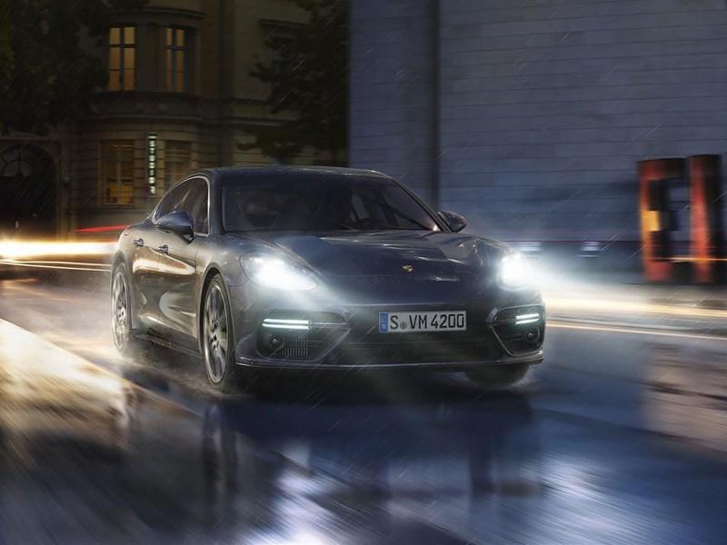 Porsche анонсировала появление гибридного Panamera на российском рынке