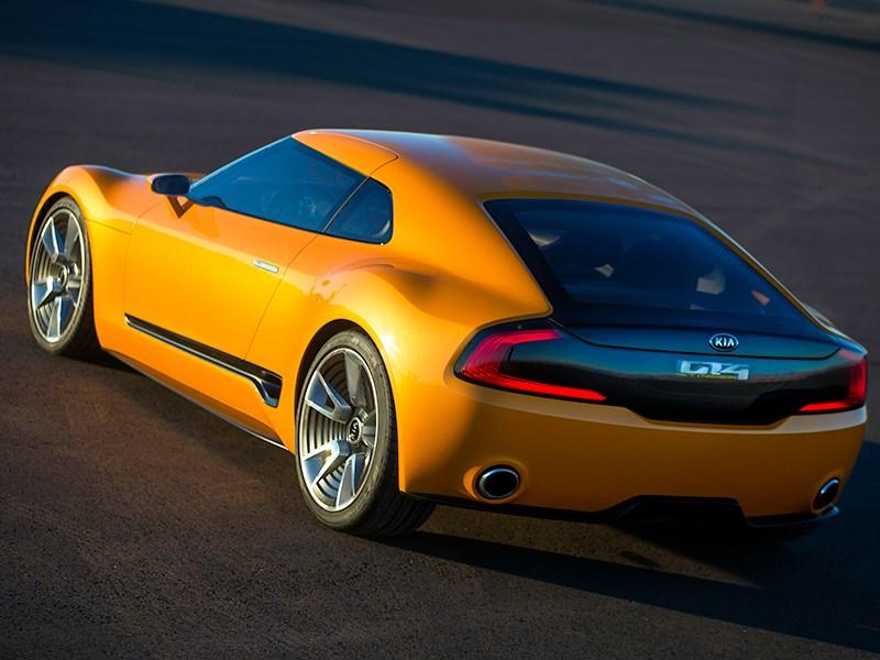 KIA GT4 Stinger concept 2014 вид сзади