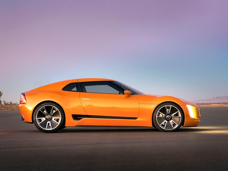 KIA GT4 Stinger concept 2014 вид сбоку