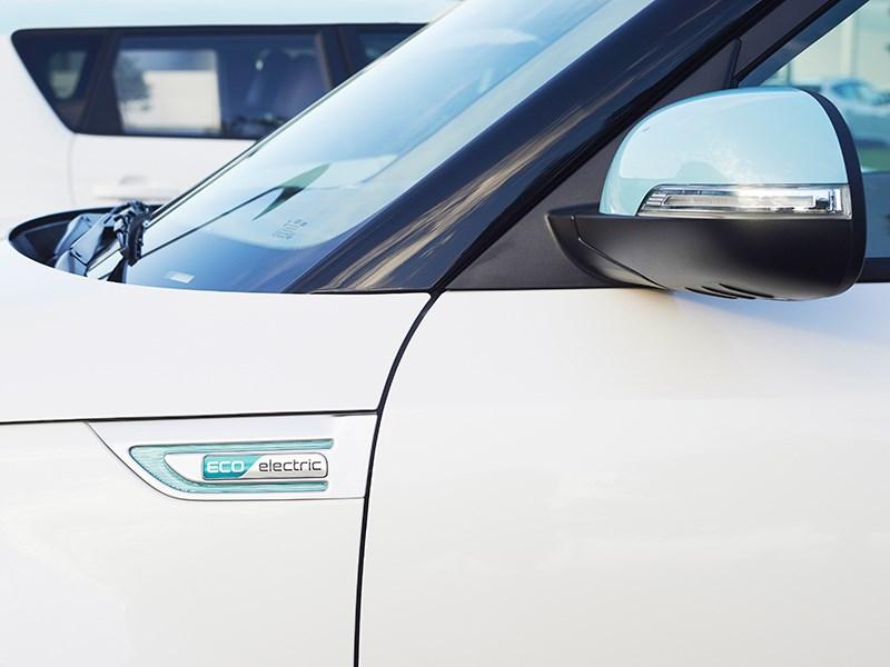 Kia Soul EV 2015 боковое зеркало фото 2