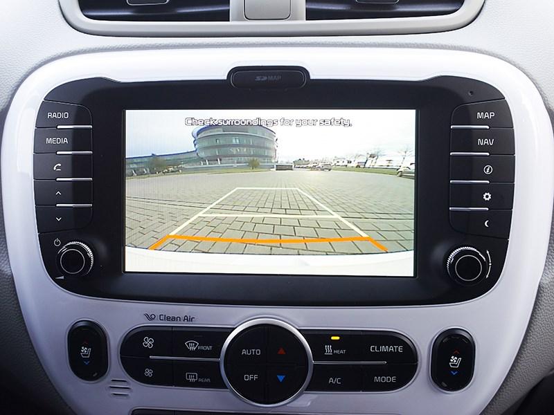 Kia Soul EV 2015 монитор фото 2