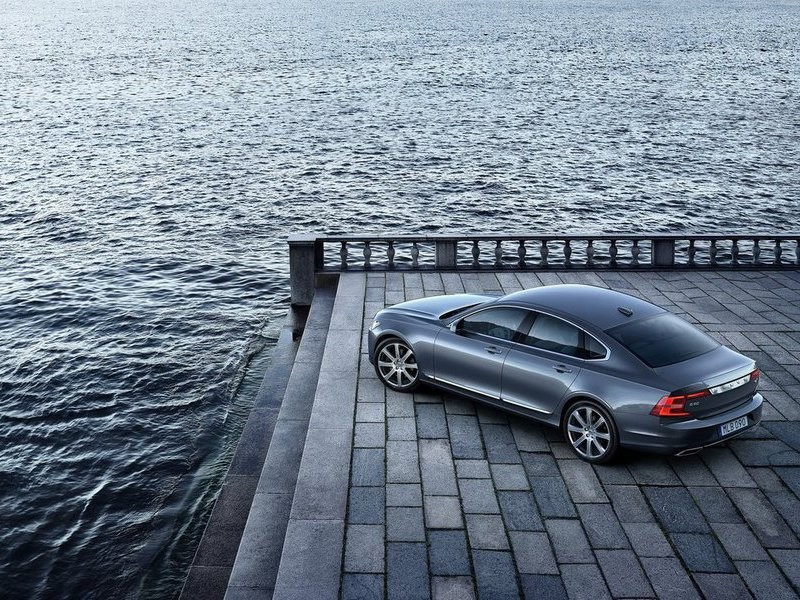 Volvo отложила дату выхода седана S90 на российский рынок