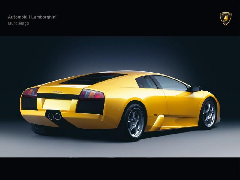 Lamborghini Murcielago 2006 вид сзади в три четверти