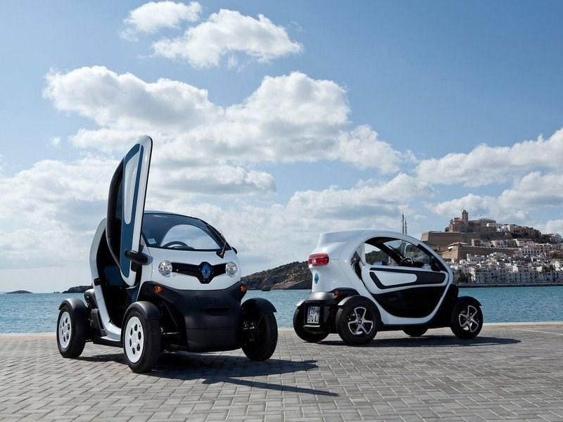 Renault вывел на российский рынок электрокары Twizy и Kangoo