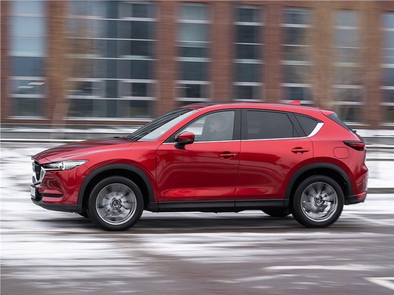 Mazda CX-5 (2021) вид сбоку