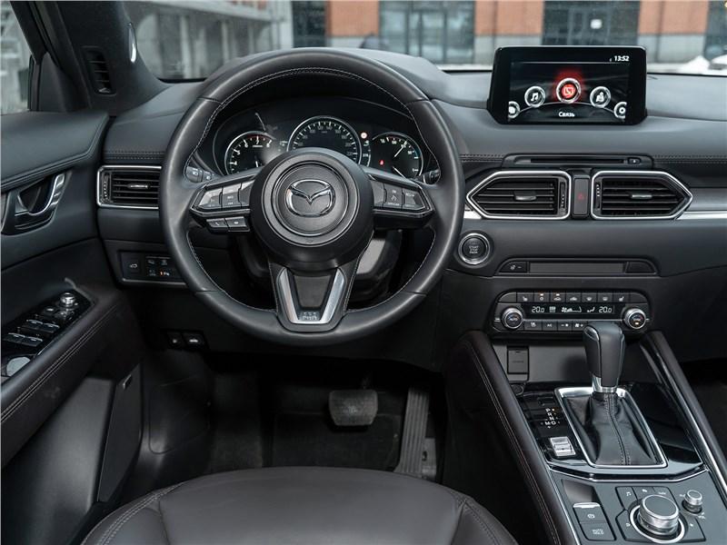 Mazda CX-5 (2021) салон