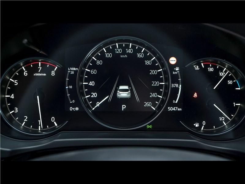 Mazda CX-5 (2021) приборная панель