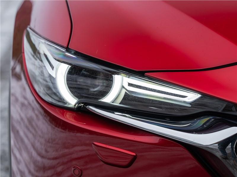 Mazda CX-5 (2021) передняя фара