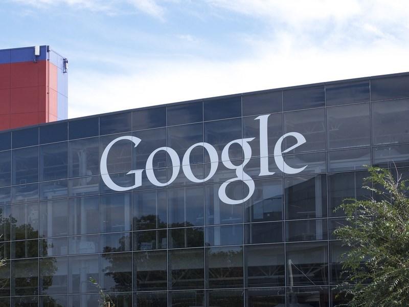 FCA будет использовать «автопилот» от Google