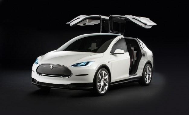 Кроссовер Model X покажут в конце сентября