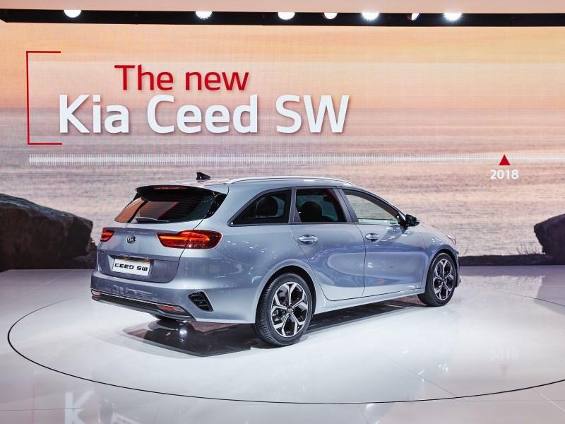 Kia Ceed SW: багажник больше, моторы мощнее