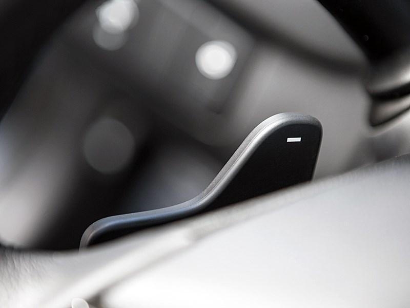 Kia cee'd 2012 хэтчбек флажок переключения передач вниз на модели с автоматом