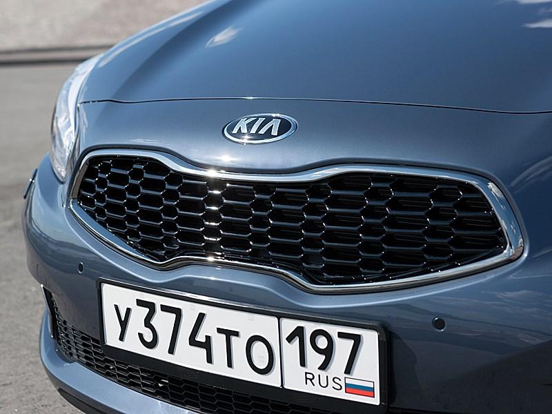 Kia cee'd 2012 хэтчбек фирменный стиль решетки радиатора