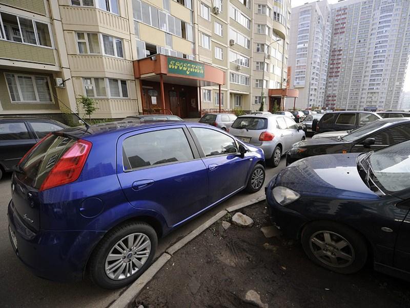Небрежная парковка во дворах подорожает