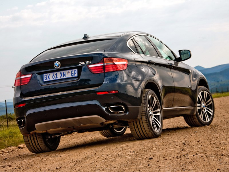 BMW отзывает модель X6