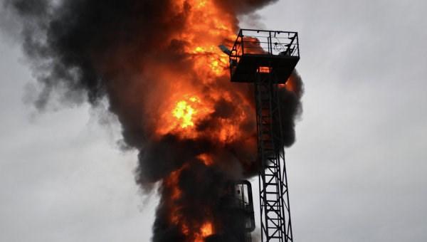 Пожар на нефтеперерабатывающем заводе станет причиной роста цен на бензин