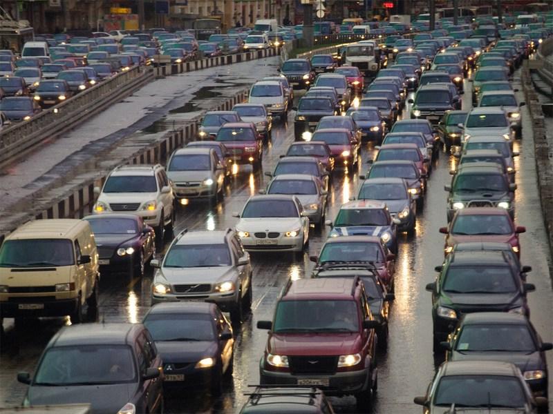 Средняя скорость движения в Москве падает на 5% в год