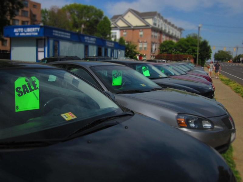 Расходы россиян на покупку новых легковых автомобилей возросли