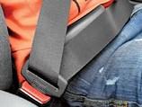 Водители пристегиваются значительно чаще пассажиров