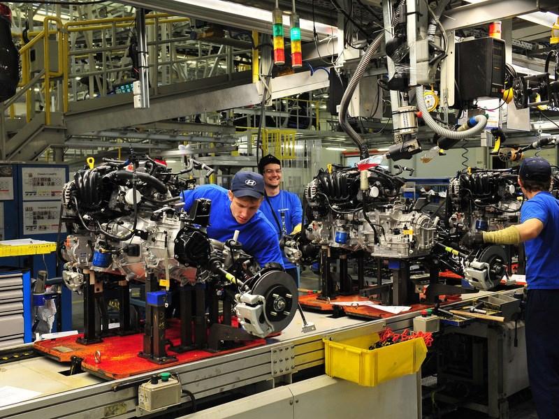 Минпромторг предлагает четырем крупным автопроизводителям объединиться - автоновости