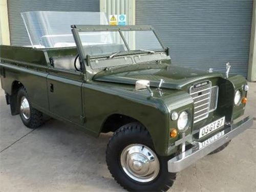 Зеленый Land Rover королевы Елизаветы: 3 тыс. км пробега за 35 лет