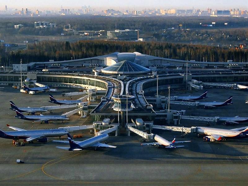 Аэропорт Шереметьево расщедрился на парковку Фото Авто Коломна
