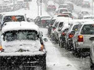 Из-за снегопада в Москве сложилась трудная транспортная ситуация