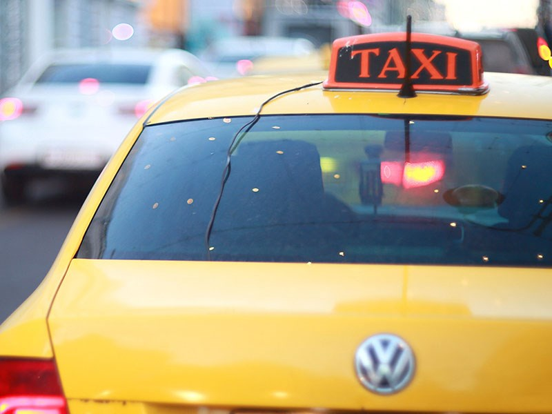 В Москве останутся такси только желтого цвета