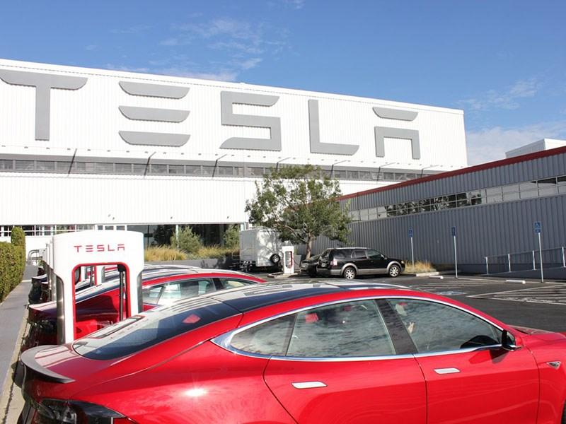 Главный эксперт Tesla: компания обанкротится до 2019-ого