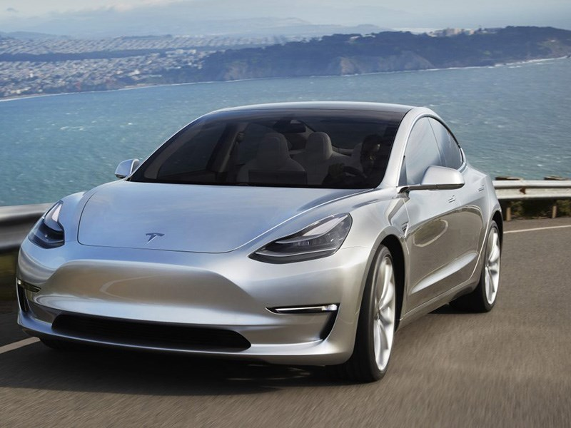 От заказов Tesla Model 3 отказались более 60 тысяч покупателей
