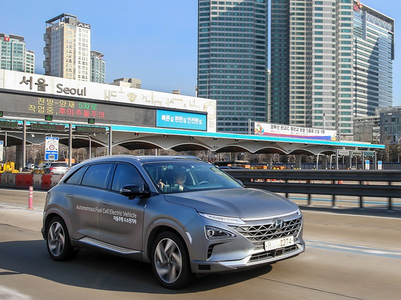 Hyundai провел демозаезд автономного водородного кроссовера