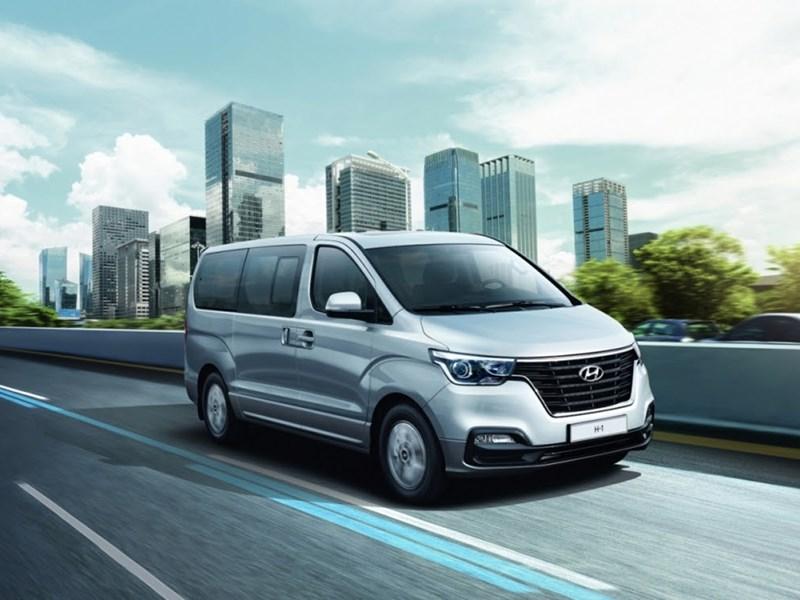 Hyundai привез в Россию обновленный микроавтобус H-1