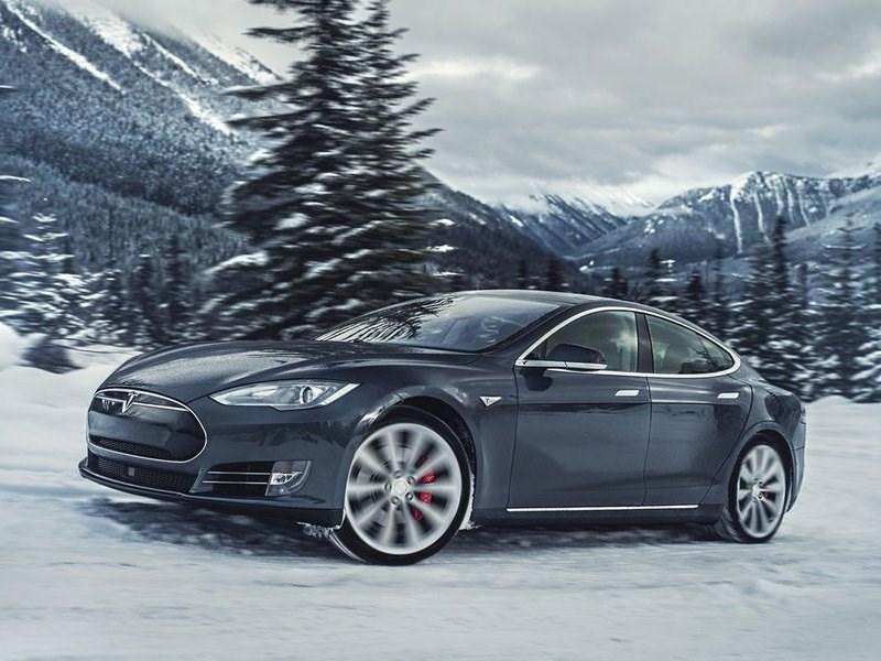 В Российской Федерации продажи Tesla упали наполовину