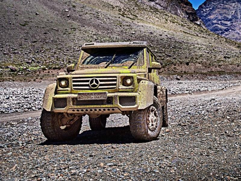 Mercedes-Benz назвал российскую цену экстремального внедорожника G500 4x4