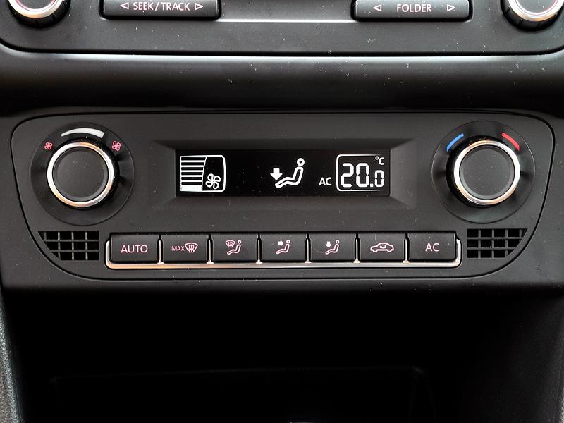 Фото Volkswagen Cross Polo - Климат-контроль однозонный ...: http://www.motorpage.ru/Volkswagen/CrossPolo/last/photos/48644.html